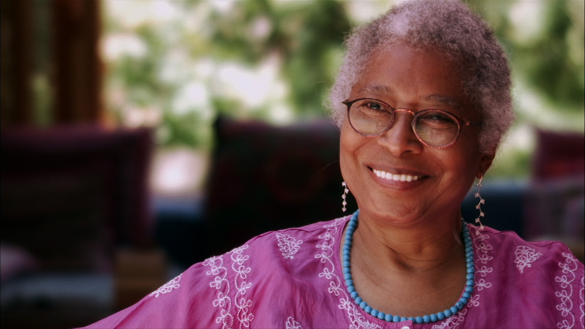 analysis of alice walkers beauty Everyday use alice walker table of contents plot overview analysis historical context voice, diction, and humor irony characters character list mama maggie.